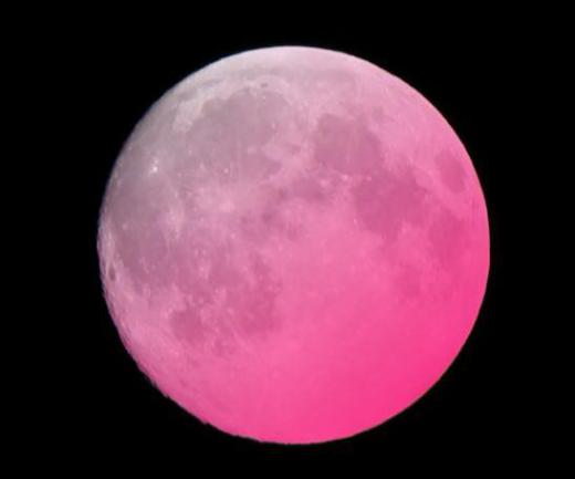 2019/04/20 11:36/平成最後の満月(ピンクムーン)—まんどろだお月様だ