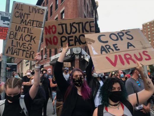 2020/06/18 07:02/「マスクとミサイル」から「マスクとデモ」へ