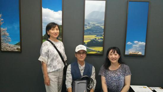 2017/08/05 17:09/広田泉さんの写真展見学中